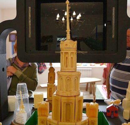 Макет колокольни Воскресенского собора выполнен из мыла